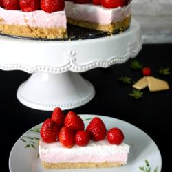 jogurt_torta_jagode